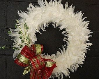 Glittering Decorative Holiday Feather Wreath - Unique Winter White Holiday & Christmas Decor - White Feather Wreath ZUCKER®