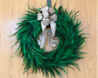 Festive Decorative Holiday Feather Wreath - Unique Holiday & Christmas Decor -Medium Hackle Feather Wreath Emerald ZUCKER®