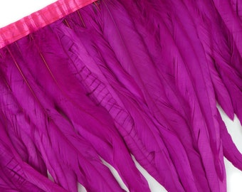 "10-12"" VERYBERRY Dyed Coque Feather Fringe 1YD - DIY Crafts, Carnival, Cosplay, Costume, Millinery & Fashion Design Feather Fringe ZUCKER®"