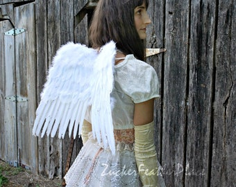 Small White Economy Costume Angel Feather Wings - Fits Adults, Teens, Children, Women and Men for Halloween & Cosplay ZUCKER™