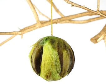 Decorative Green Feather Ornament - Natural Dyed Duck - Fall Thanksgiving Decor, Unique Holiday Decorative feather ornament ZUCKER®