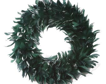 Festive Decorative Holiday Feather Wreath - Unique Winter Green Holiday & Christmas Decor - Christmas - Winter Feather Wreath ZUCKER®