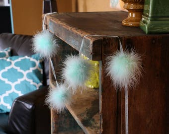 Decorative Marabou Feather Garland Mint - Perfect for Teen Bedroom & Dorm Decor ZUCKER™