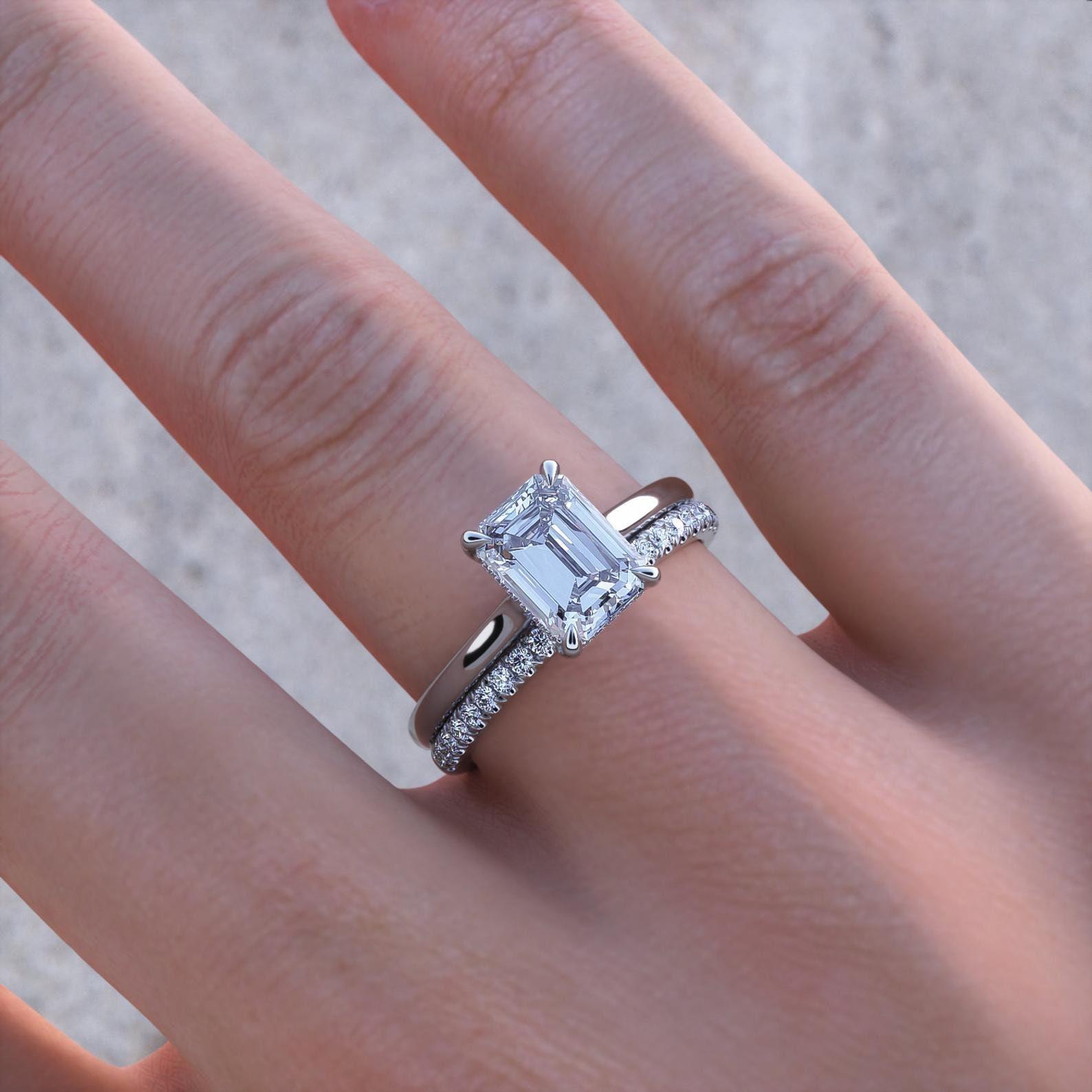 Verlobungsring Smaragdschliff