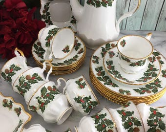 Tea Coffee Lunch Dessert Set for 8 Queen's Rosina Yuletide 30 Pieces Cups Saucers Pot Plates Creamer Sugar Dishes Fine China Vintage England