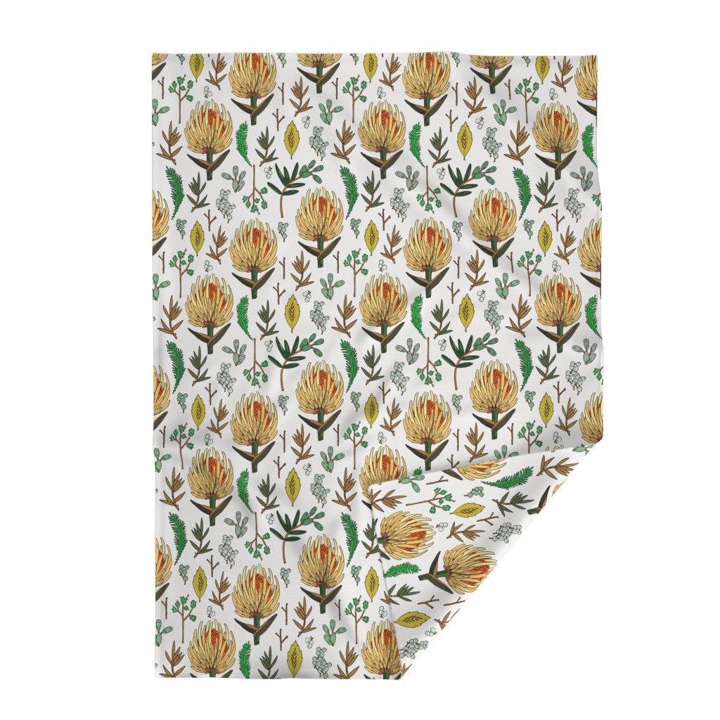 Couverture florale de jet - Floral-study-light-large par holli-zollinger - Couverture de jet de grande étude légère de feuille avec le tissu de Spoonflower