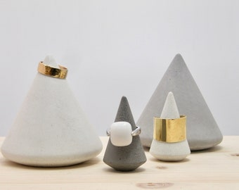 Concrete ring holders, concrete jewels stand, concrete stand, ring cones, concrete cones, jewels display, ring display