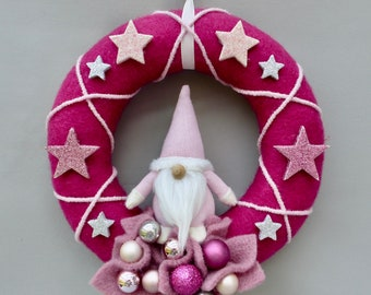 Winter wreath, winter door wreath made of felt, decorative wreath, Advent wreath with gnome