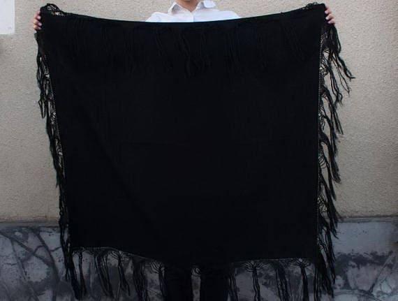 Black shawl, Shawl with Fringe, Womens shawl, Wool