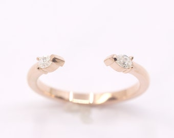 Pear Shaped Diamond Wedding Band.14K Solid Gold Wedding Ring for Women.Opened spacer Diamond Ring.Simple Dainty Unique Wedding Band.
