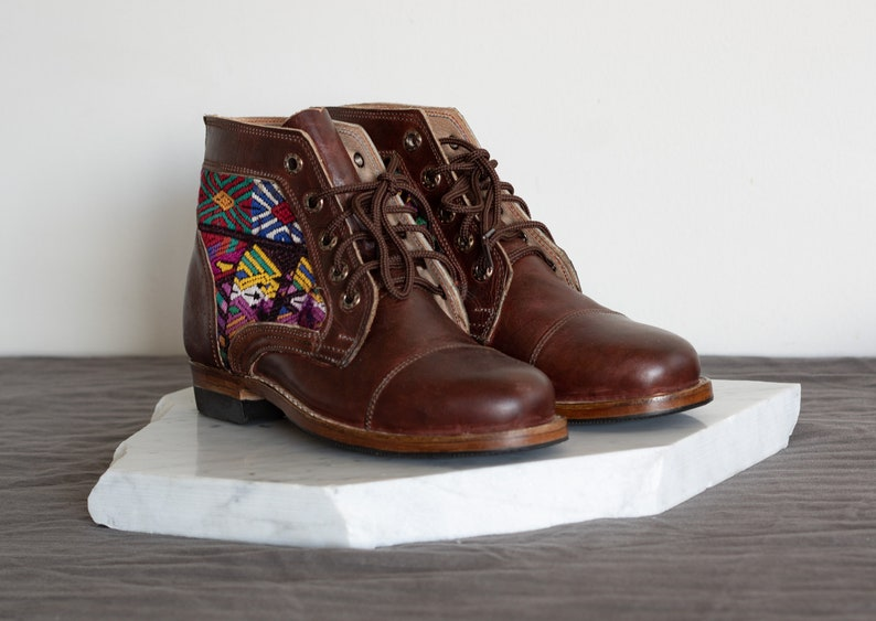 Women/'s 6.5 Handmade Leather Tipico Guatemalan Boots