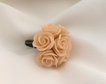 Ivory rose ring, Polymer clay ring, Rose ring, Porcelain flower ring, Gift for her, Floral jewelry, Beige cream rose ring, Bridesmaid gift