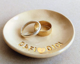 Wedding Ring Holder, Personalized Ring Dish, Jewelry Dish, Wedding Gift, Bridal Shower Gift, Engagement Gift, Gift for Couple, Pottery Gift