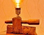 Wood lights 2020 - La Morsa - handcrafted wooden table lamp