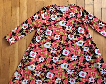 vintage 1960s floral tent dress // 60s day dress with pockets