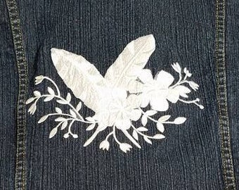 Bill Blass Denim Jacket, size PXL Custom Embroidered White Feathers and Flowers design