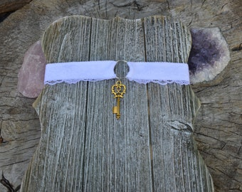 White Victorian Choker with Golden Key Charm