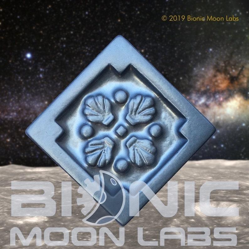 Galactic Eastern Alliance Hat Badge Prop Replica image 0
