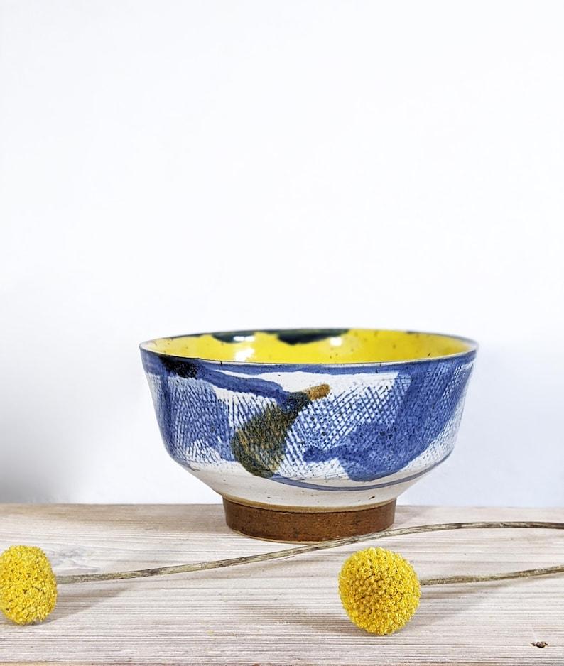 Servir un bol en céramique, un bol à soupe en céramique, un bol décoratif, un bol élégant, un bol fait à la main, peint à la main, Keramikschale