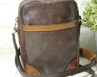 0d3ca120d Authentic LOUIS VUITTON Classic Monogram Danube Crossbody Shoulder Bag  Unisex