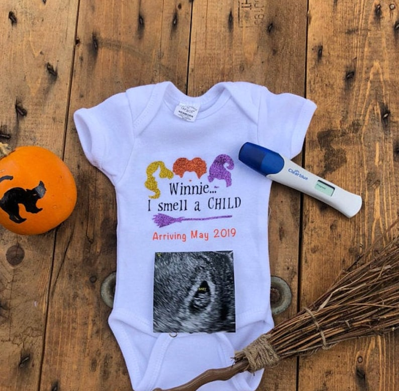 Hocus Pocus I Smell a Child Pregnancy Announcement Halloween Baseball Sleeve Raglan Shirt