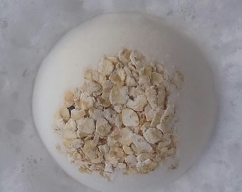 Oatmeal bath bomb fragrance and color free