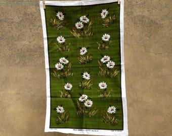 Vintage 70s pure Irish linen tea towel of Field Daisies by Ulsterretro home - retro design