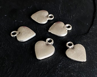 6 Heart charms antique silver tone H31
