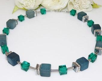 necklace, necklace, necklace, chain of cubes, necklace, cube, cube, polaris, glass, rhinestones, green, emerald,