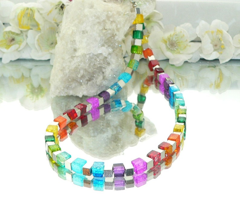 purple, collier blue glass Chain cube necklace glass cubes red metal cubes colorful green beads yellow