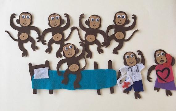 Cinque Scimmiette Saltavano Sul Letto.Cinque Scimmiette Che Saltano Sul Letto Bambini Sentito Flanella Storia Per Educazione Della Prima Infanzia