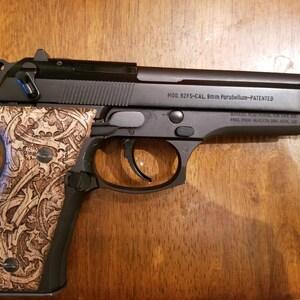 Beretta 1934//1935 7.65mm 32 ACP  Walnut Wood Grips