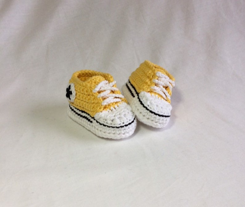 bb28b7caddfe Crochet Baby Converse Crochet Baby Shoes Baby Converse