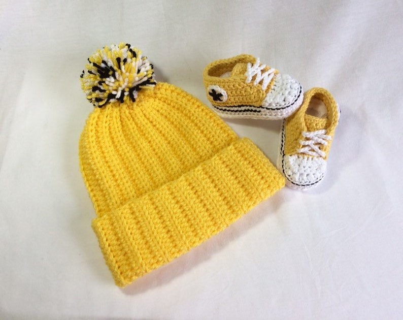 Crochet Baby Converse Set Crochet Converse Baby Shoes Hat & Bootie Set Baby Gift