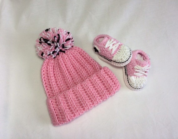 5262acf4fa7b53 Crochet Baby Converse Set Crochet Converse Baby Shoes Hat
