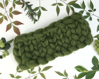 Scarf, Thick Winter Scarf, Infinity Scarf, Wool Scarf, Knitted scarf, bulky scarf, Merino wool scarf, Chunky knit scarf, Gift, Green scarf