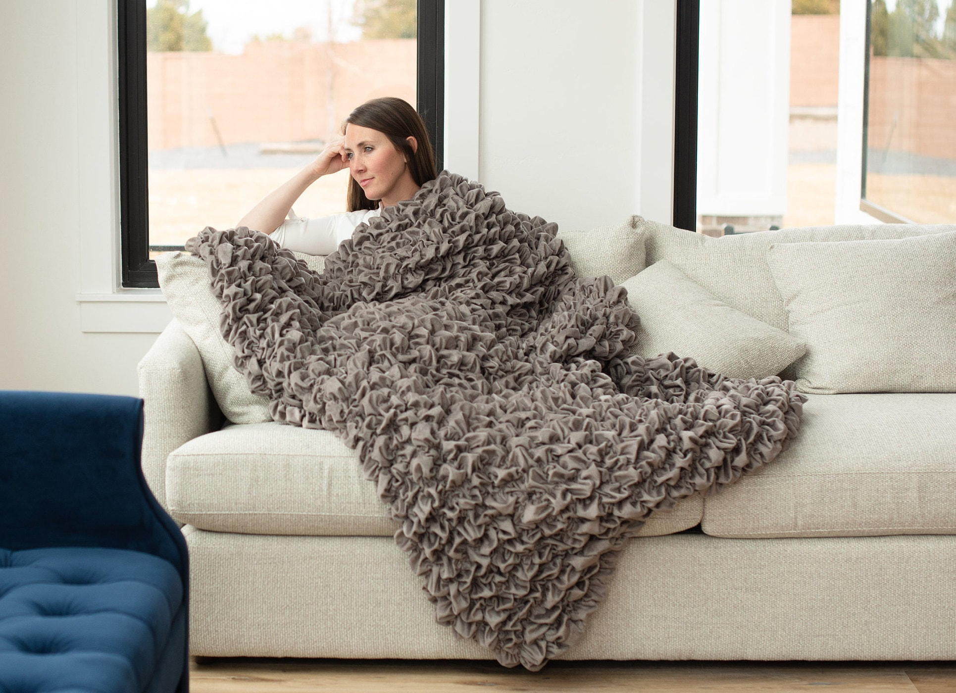 Albrea Handmade Gray Luxury Throw in 3 Tailles - Best Unique Home Decor Designer Blanket. Perfect Plush, Soft Haut de gamme Cadeau, Calmes Anxiété, Etats-Unis