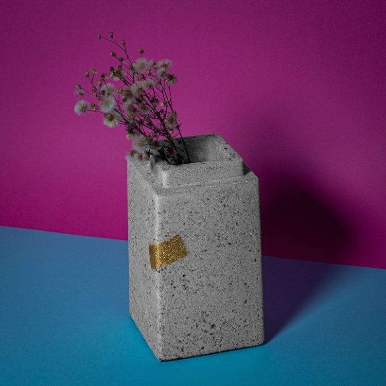 Migdal  Concrete Vase image 0