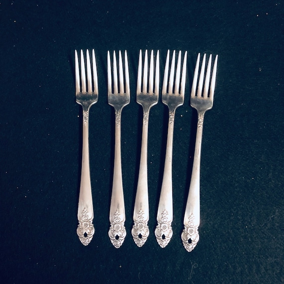 1951 PRESTIGE DISTINCTION  Per Each Piece Round Gumbo  Soup Spoon Silver-plate Silverware Replacement Matching Pieces Available Separately