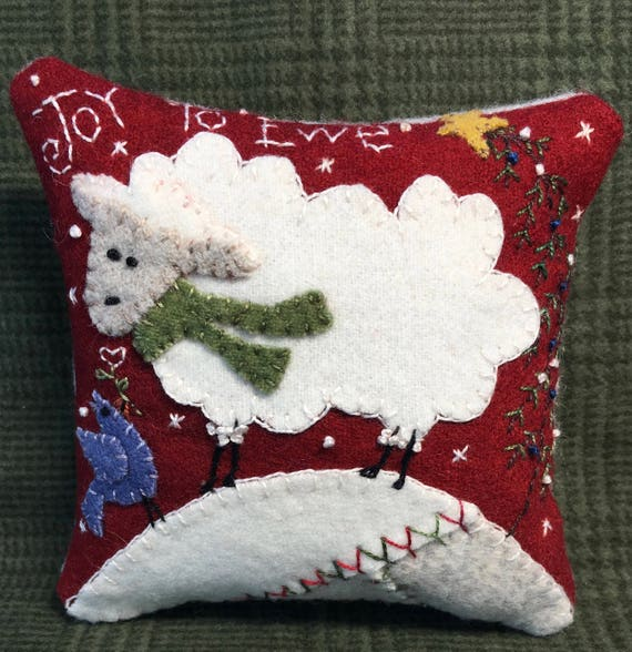 Pincushion Holly /& Ivy Wool Applique Kit