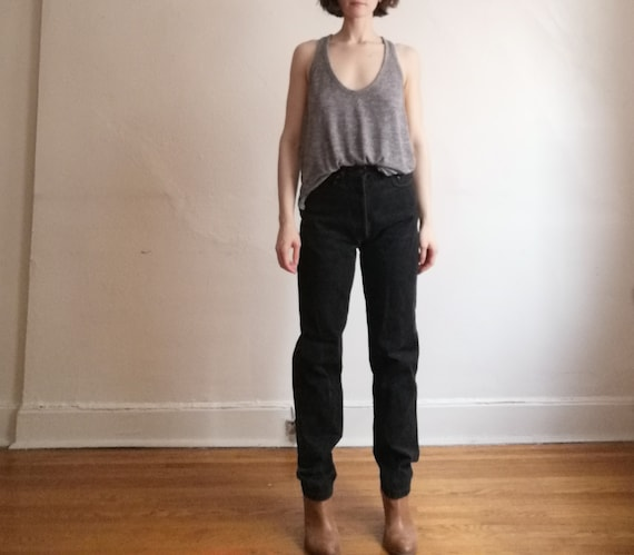 Black baggy denim Mom jeans // high waist vintage