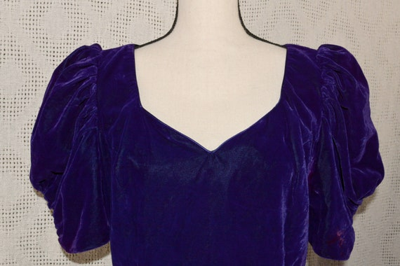 Vintage 1980's Puff Sleeve Purple Veelvet Dress