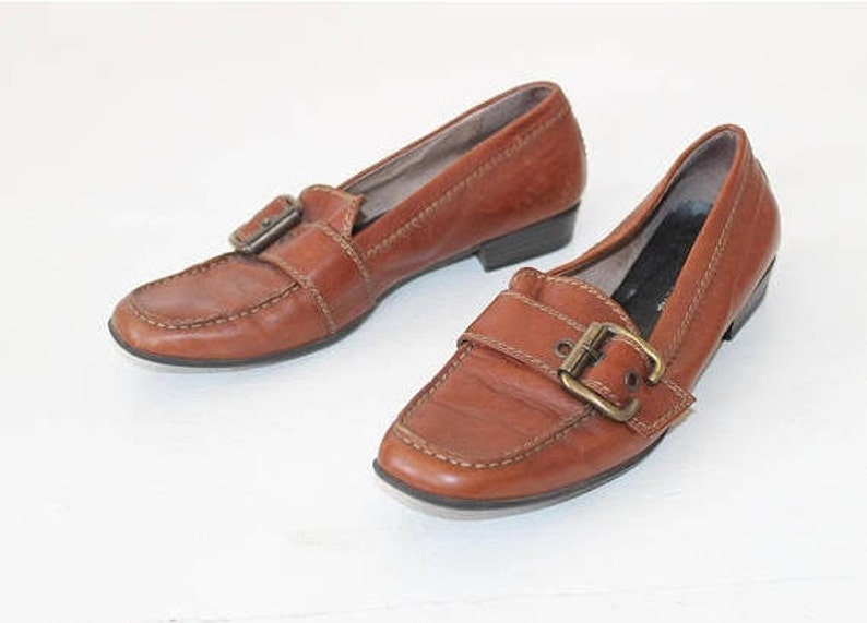 a7c58a702d6 Women Loafers Shoes 80s Grunge Vintage Brown Leather Buckle
