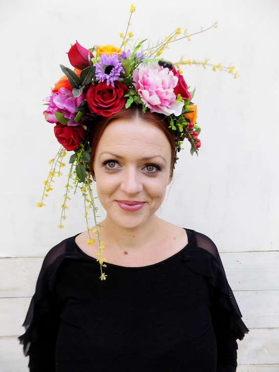 bridal hairstyle Preserved flowers crown Charlotte for your wedding