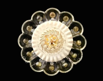 "10"" Glass Plate Flower, DAFFODIL , ""Golden-White"" Garden Sculpture, Yard Art, Suncatcher"