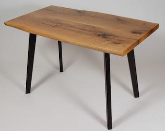 In Handarbeit Gefertigte Mobel Und Tische Aus Von Villabrocante