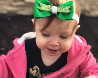 St patricks day hair bow, st patricks bow, st patricks day bow, green hair bow, green bow, green sparkle hair bow