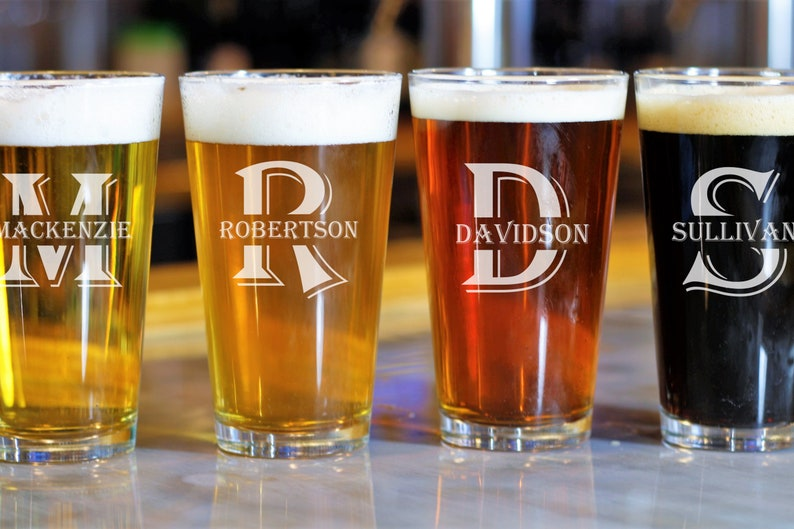 Personalized Glasses Groomsman Husband Custom Pint Beer Glasses Set of 2 Gifts for Dad Best Man Home Bar Gift Monogram Wedding Party