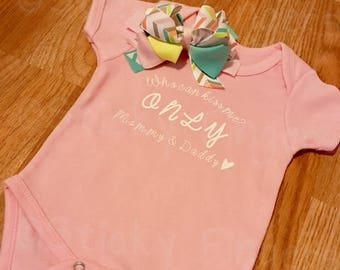 Who can kiss me? Infant Bodysuit