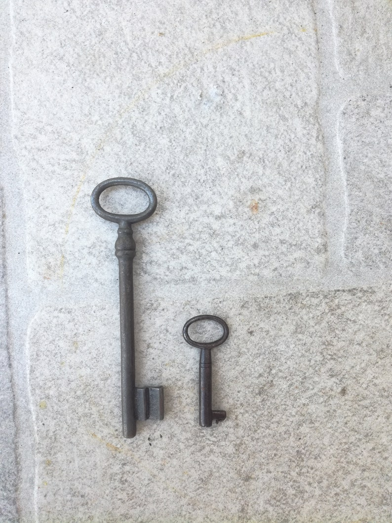 Two Collectible antiques Keys metalic IRON KEY PRIMITIVE dated back to 1930